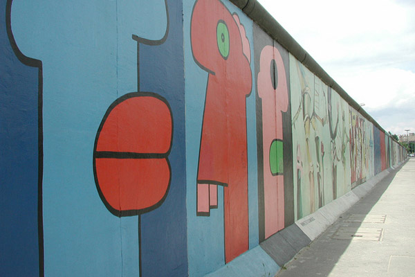 hotel_berlin_eastside_gallery
