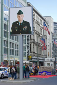 hotel_berlin_checkpoint_charlie_01
